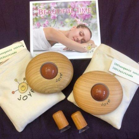 joya massageroller set entspannung für zwei mit zwei Classic Body mit Aventurin orange, zwei Wärmesäckchen und eine Beutiful Time Musik CD