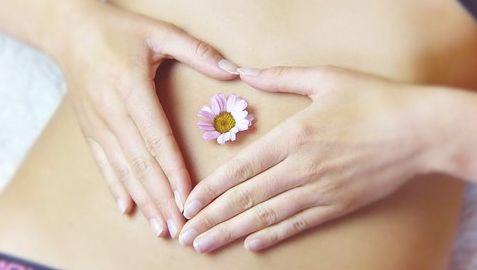 Eine Bauchmassage mit dem JOYa Classic_Body- eine Wohltat
