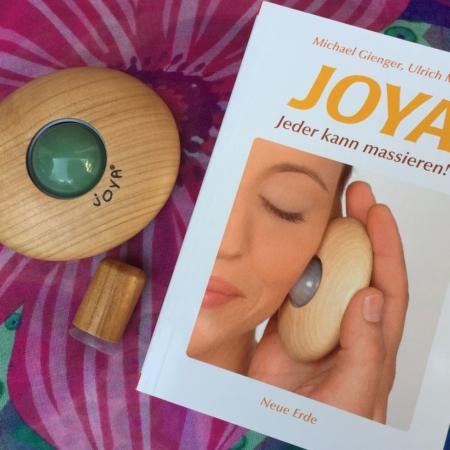 Vorteils-Set Massageroller und Taschenbuch